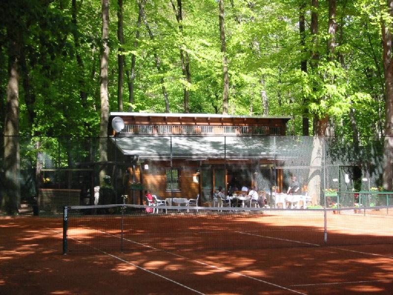 berliner-tennisclub-rotgold-vereinshaus